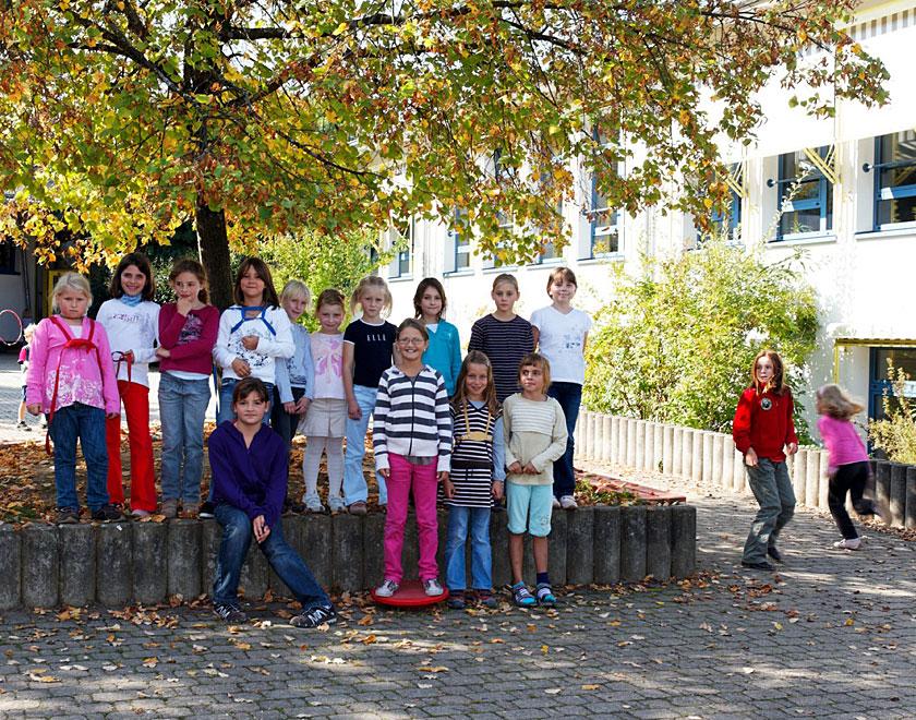 Schüler auf dem Schulhof
